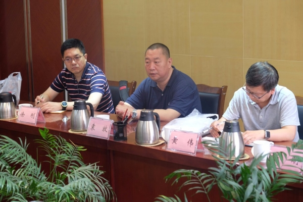 袁牧副院长及清华同衡专家组在九寨沟县座谈1.JPG